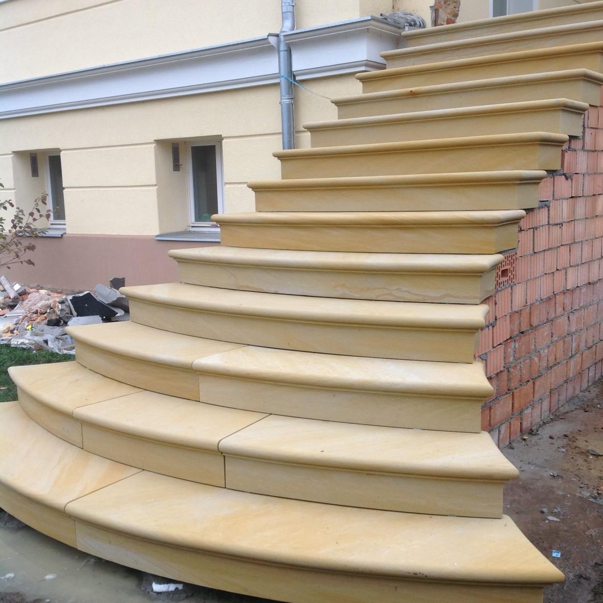 Treppen geschwungen ohne Seite