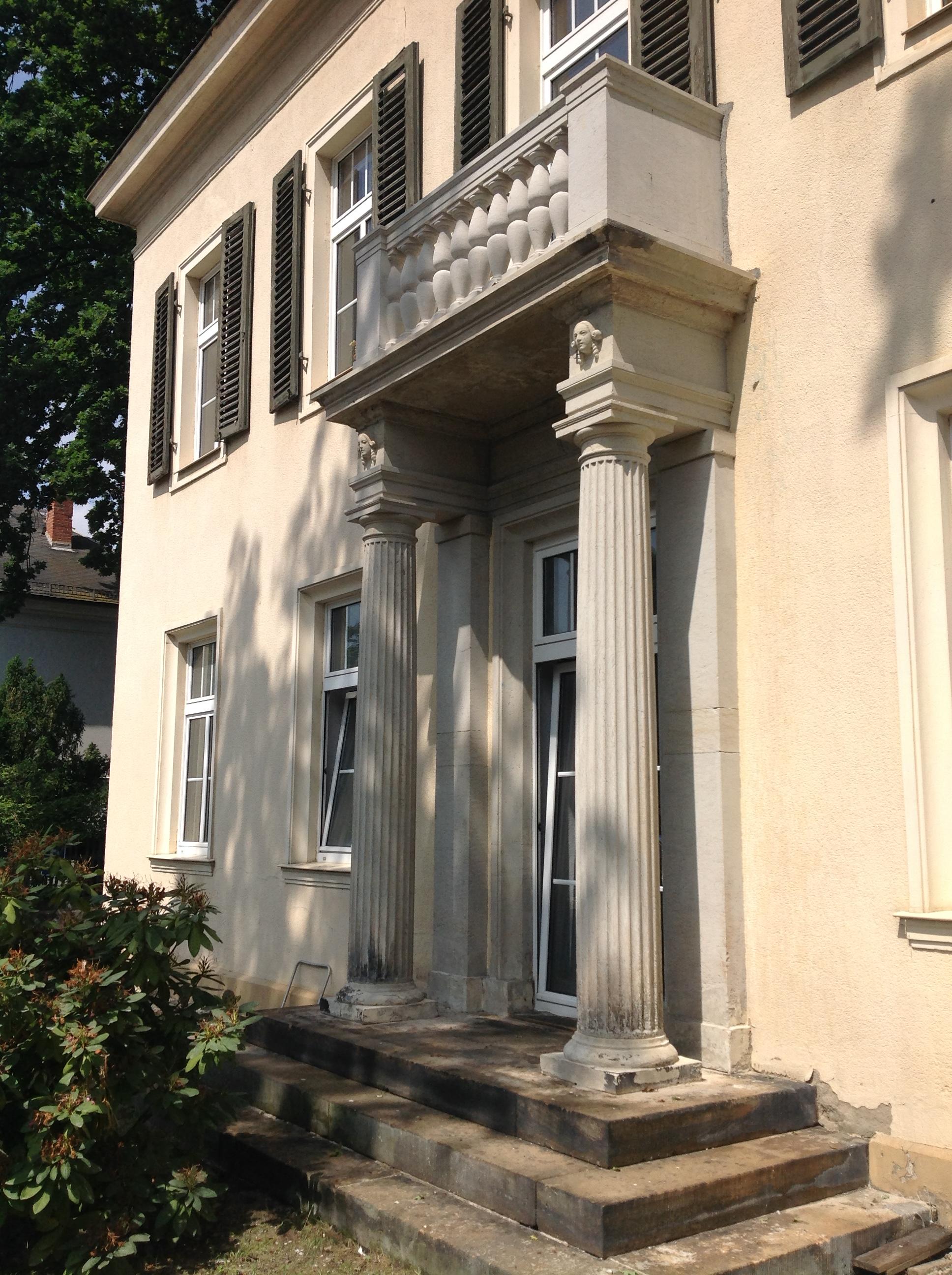 Rekonstruktion Balkonanlage Villa