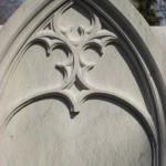 individueller Kindergrabstein aus Sandstein